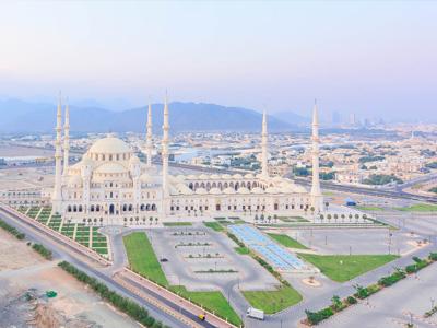 cabec-excursiones-11-fujairah-vamos-a-dubai-emiratos-arabes-guia-turistico-cuerpo-01